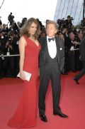 Liz Hurley mit Valentino