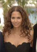 Halle Berry glnzt