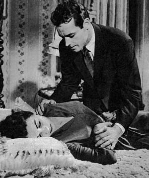 In letzter Minute kann Russell Burns seine Frau Hilda vor dem Vergiftungstod retten.