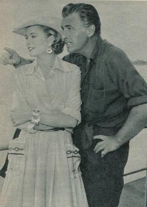 """Grace Kelly und Stewart Granger bei Außenaufnahmen zu """"Green Fire""""."""