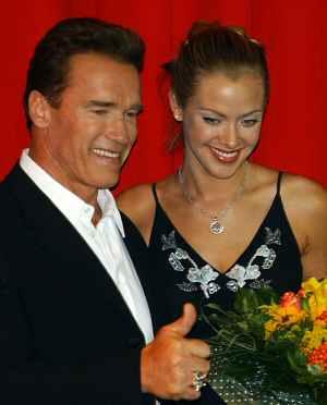 Arnold Schwarzenegger und Kristanna Loken auf der Premiere von Terminator 3 - Rebellion der Maschinen