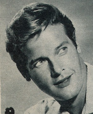 Roger Moore lächelt