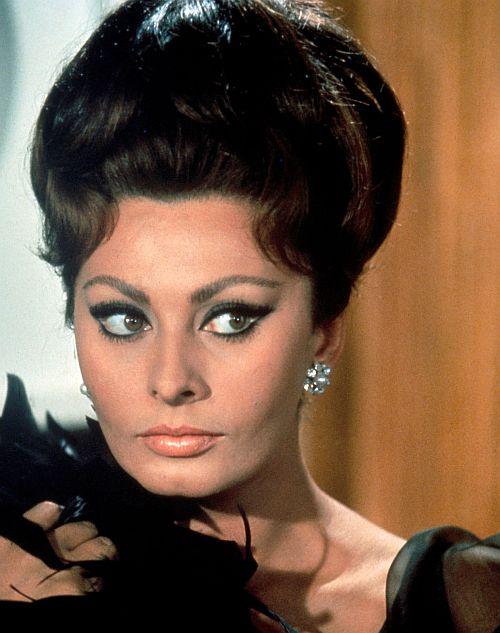 """Sophia Loren in """"Arabeske"""""""