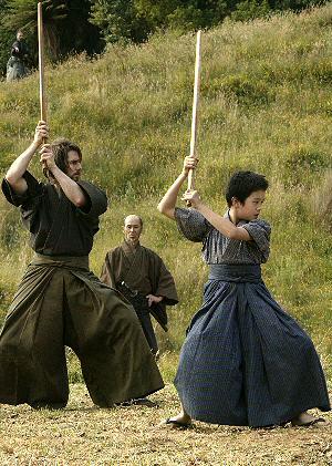 Tom Cruise übt mit Sosukr Ikematsu die Kampfkunst der Samurai
