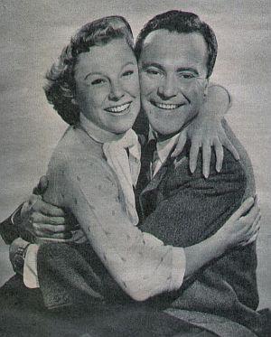 June Allyson und Jack Lemmon in trauter Zweisamkeit