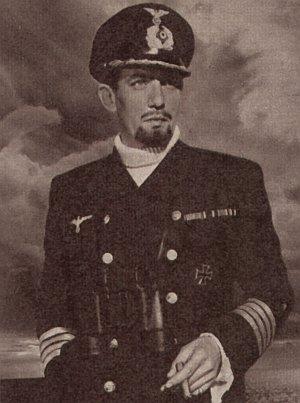 "Peter Finch in ""Panzerschiff Graf Spee"""