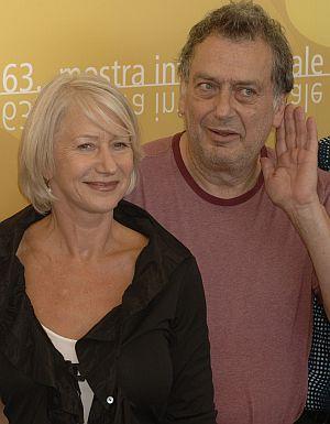 """Stephen Frears mit Hauptdarstellerin Helen Mirren bei der Vorstellung von """"The Queen"""""""