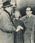 O.W. Fischer bei seiner Ankunft in Amerika