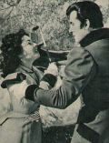 Während einer Jagd fällt Elizabeth Taylor dem unwiderstehlichen Stewart Granger in die Arme.