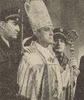 Alec Guinness als Kardinal