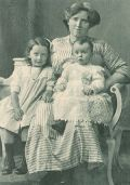 Mutter Margarete, Kiddie, Dolly