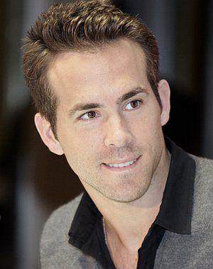 Ryan Reynolds in der Pressekonferenz zu
