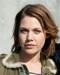 """Felicitas Woll am Set von """"Liebe Mauer"""""""