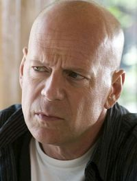 Bruce Willis mimt erneut den coolen Cop