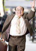 """Danny DeVito in """"When in Rome - Fünf Männer sind Vier zu viel"""""""