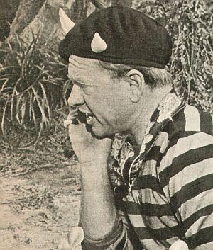Mickey Rooney als Teufel