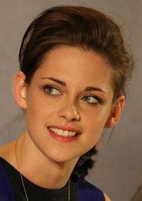 """Kristen Stewart bei der Pressekonferenz zu """"Eclipse - Biss zum Abendrot"""" in im Juni 2010 in Berlin"""