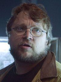 Guillermo del Toro am Set von