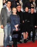 Hans W. Geißendörfer mit Darstellern auf der München-Premiere