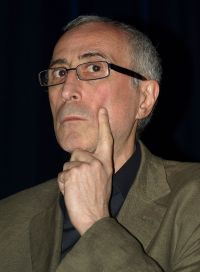 Dito Tsintsadze hlt auf dem Filmfest Mnchen 2011 die Laudatio fr seinen Regie-Kollegen Otar Iosseliani