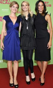 """Mira Bartuschek, Martina Hill und Melanie Winiger auf der """"Resturlaub""""-Premiere"""