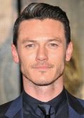 "Luke Evans bei der Premiere ""Die drei Musketiere"" in London"