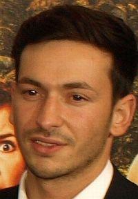 """Arnel Taci auf der Premiere von """"Türkisch für Anfänger"""" in München"""