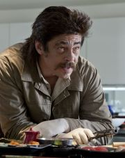 Benicio Del Torro als gewissenloser Drogenhandlanger in &quot;Savages&quot;