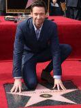 Hugh Jackman mit seinem Stern auf dem Walk of Fame
