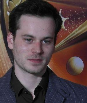 """Florian Bartholomäi am Roten Teppich von """"Rubinrot"""""""