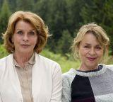 """Senta Berger und Cornelia Froboess auf dem Set von """"Almuth und Rita"""""""