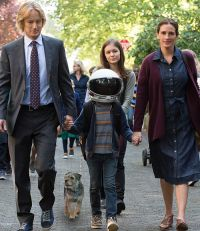 Owen Wilson, Jacob Tremblay, Izabela Vidovic & Julia Roberts in