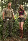 "Dwayne Johnson & Karen Gillan in ""Jumanji: Willkommen im Dschungel"" (2017)"