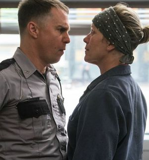 "Sam Rockwell und Frances McDormand in ""Three Billboards Outside Ebbing, Missouri"" (2017)"
