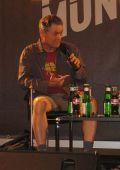 Jonathan Demme in legerer Kleidung beim Münchner Filmfest 2006