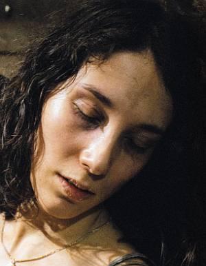 """Auch Sibel Kekilli als Ruth ist am Rande ihrer Kräfte (""""Der letzte Zug"""", 2006)"""