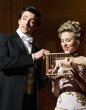 Hugh Jackman zaubert mit Scarlett Johansson