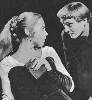 """Oskar Werner in einer Szene aus """"Hamlet""""."""