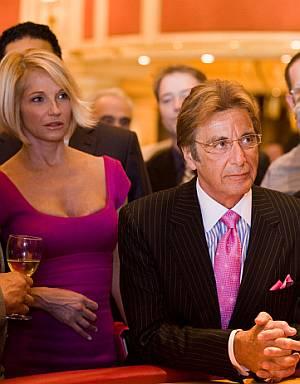 Al Pacino und Ellen Barkin im Casino.