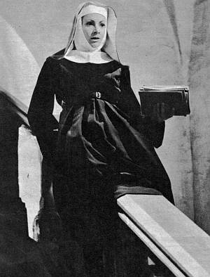 Novizin Maria Augusta wird zur Baronin.