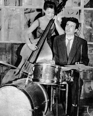 Hort Buchholz und Romy Schneider geben ihr musikalisches Talent zum Besten.