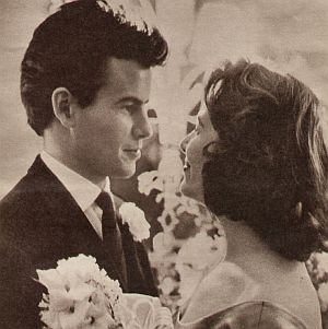 Horst Buchholz beim Hochzeitstanz