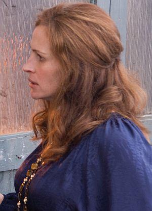 """Julia Roberts in """"Fireflies in the Garden"""""""
