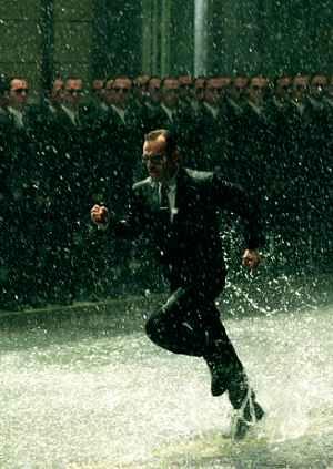 Hugo Weaving kommt nicht allein: Matrix Revolutions