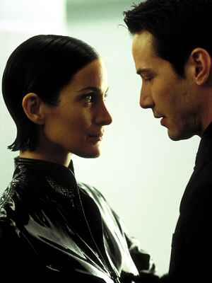 """Keanu Reeves und Carrie-Anne Moss sind sich nicht nur in """"Matrix Revolutions"""" nah"""