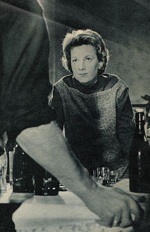 Ruth Leuwerik schaut dem Bösen ins Gesicht