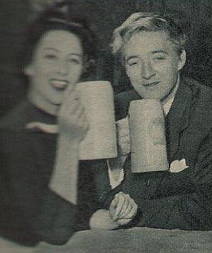 Oskar Werner und Martine Carol im Bierkeller