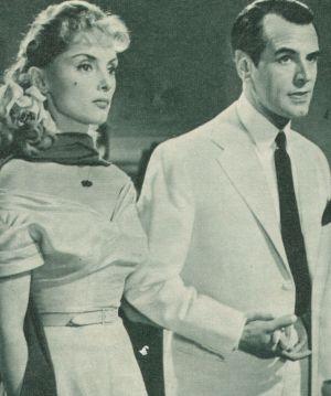 Hanussen (O.W. Fischer) mit seiner Geliebten Priscilla (Erni Mangold)