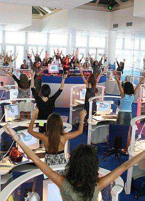 """Die morgendlichen Übungen im Call-Center """"Multiple"""""""
