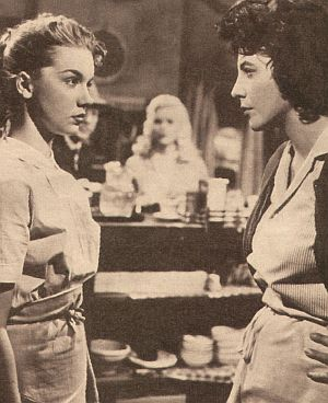 "Betty Lou Keim und Joan Collins in ""Wo alle Straßen enden"""